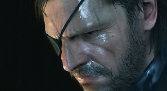Snake är superjätteledsen för att de onda är så taskiga mot hans vänner, det är det som motiverar honom.