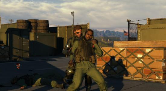 Snake tackar inte nej till att ta kål på motståndarna på nära håll.